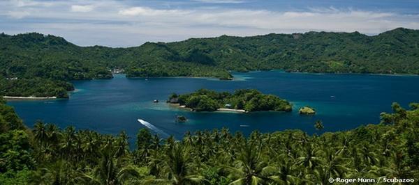 8 Selat Lembeh, Sulawesi Utara